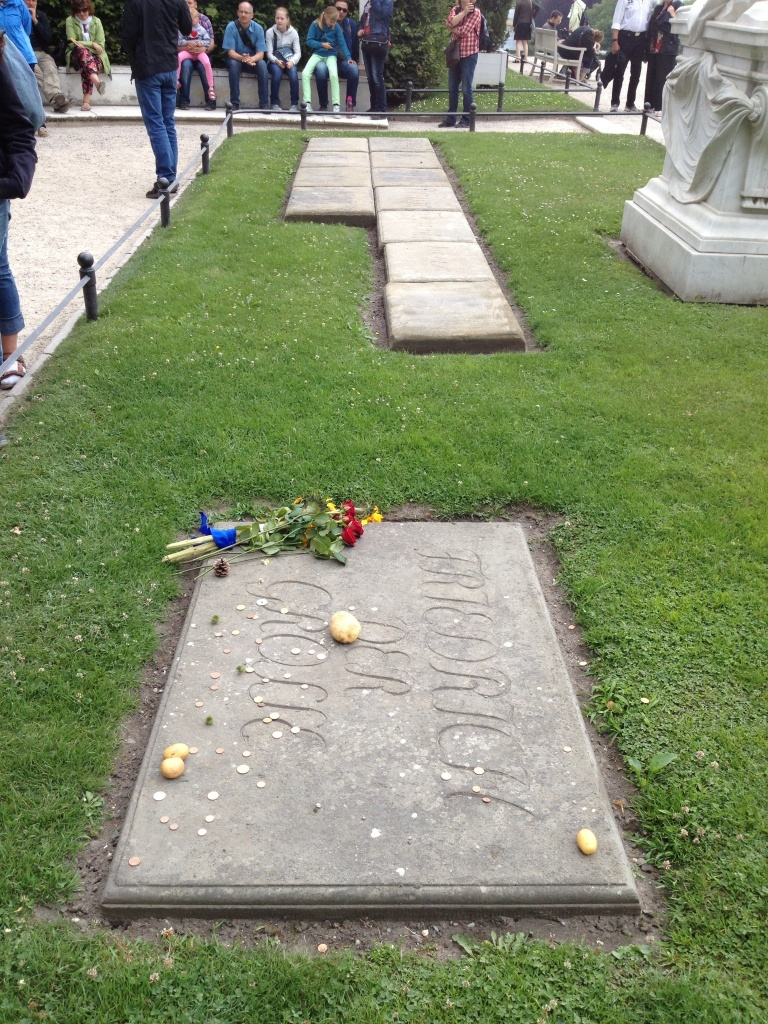 The Potato King's grave, with potatoes and his dogs, you can not make up history this awesome.